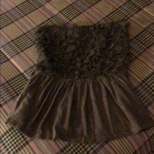 Grey crop top. No sleeves